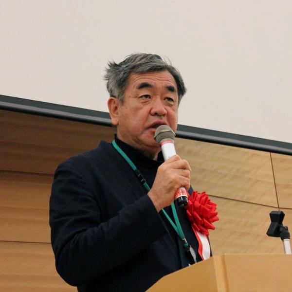 隈 研吾氏